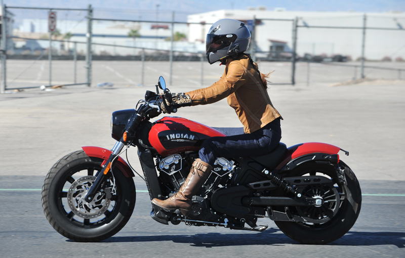 review 2018 indian scout bobber riding left