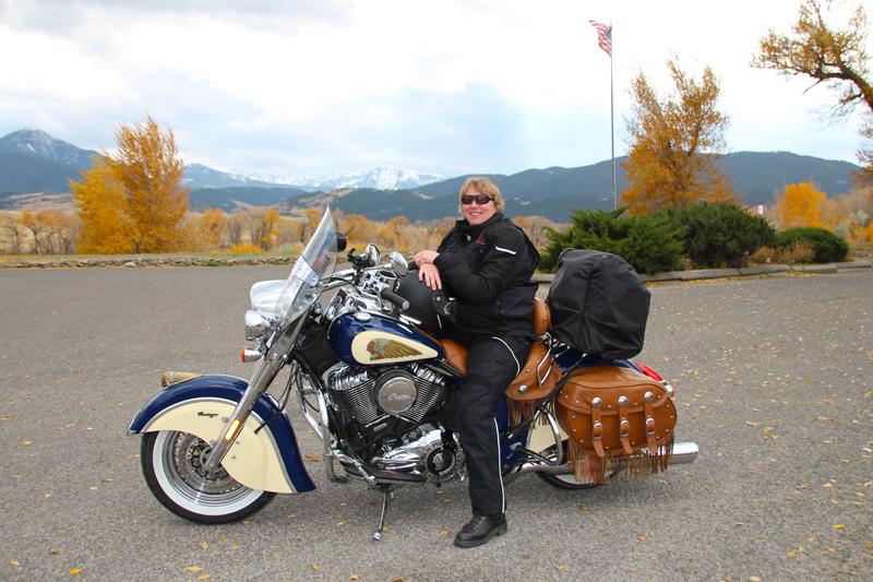 Review: Simple Waterproof Motorcycle Touring Pants Jacket Chief Vintage Motorcycle