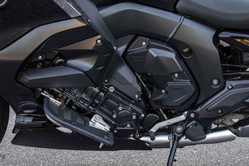 review 2018 bmw k 1600 b a bagger with innovative features floorboards