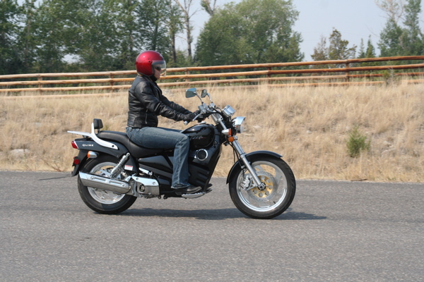 Review QLINK Legacy 250 Riding Position
