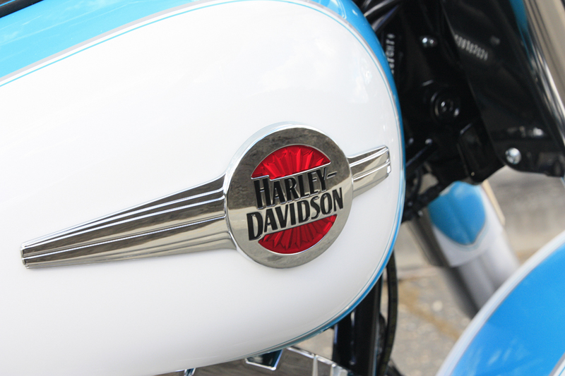 review 2016 harley davidson heritage softail classic fuel tank