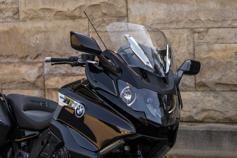 review 2018 bmw k 1600 b a bagger with innovative features windshield