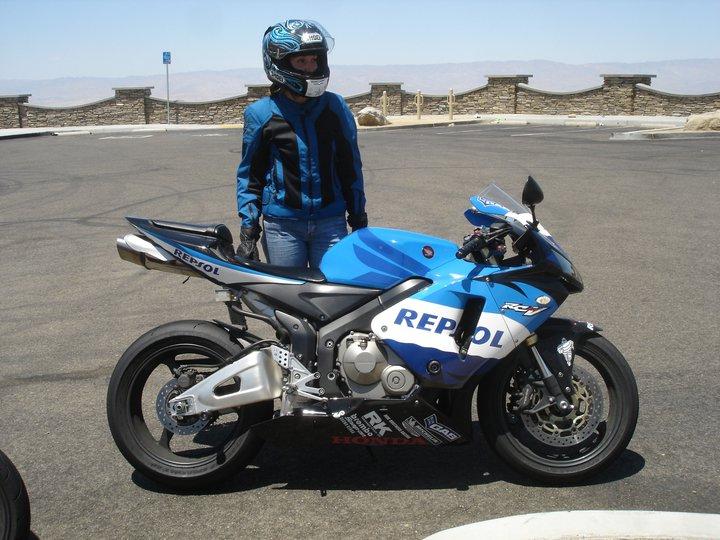 women sportbike riders  honda cbr600rr