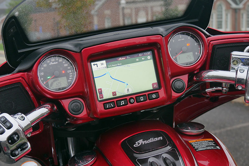 Review: 2019 Indian Motorcycle Chieftain Limited_dash