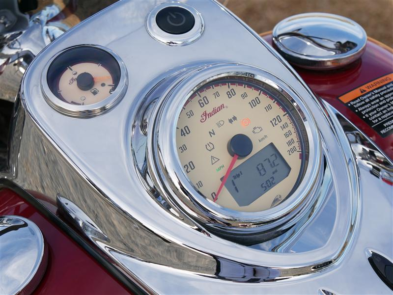 review 2016 2017 indian motorcycle springfield dash panel