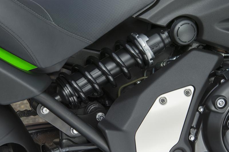 motorcycle review 2015 kawasaki vulcan s shock suspension