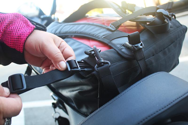review the lauren bag by motochic waist strap