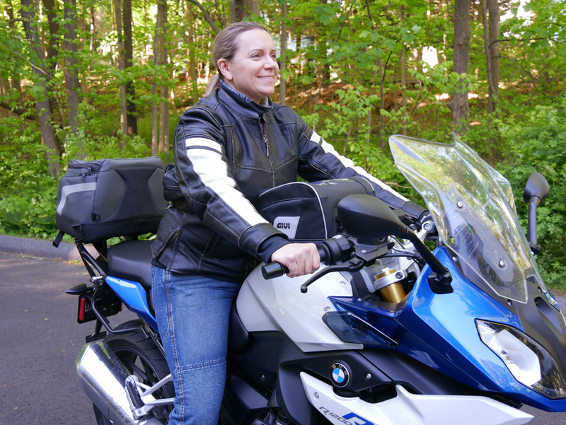 easy mount tank bags for standard sport sport-touring motorcycle BMW R 1200 RS GIVI Tanklock Tricia riding