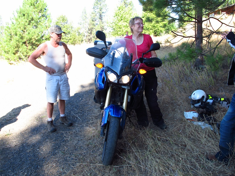 Safe Riding Motorcycle Mishap Yamaha Ténéré Smiling Woman
