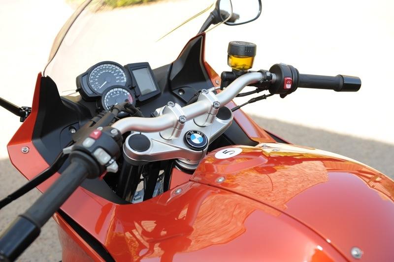 BMW F 800 GT Review Cockpit