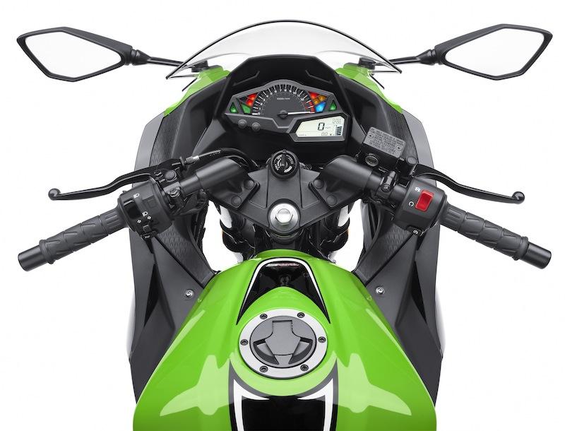 Kawasaki Ninja 300 Review Handlebars