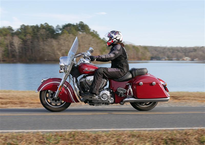 review 2016 2017 indian motorcycle springfield riding posture