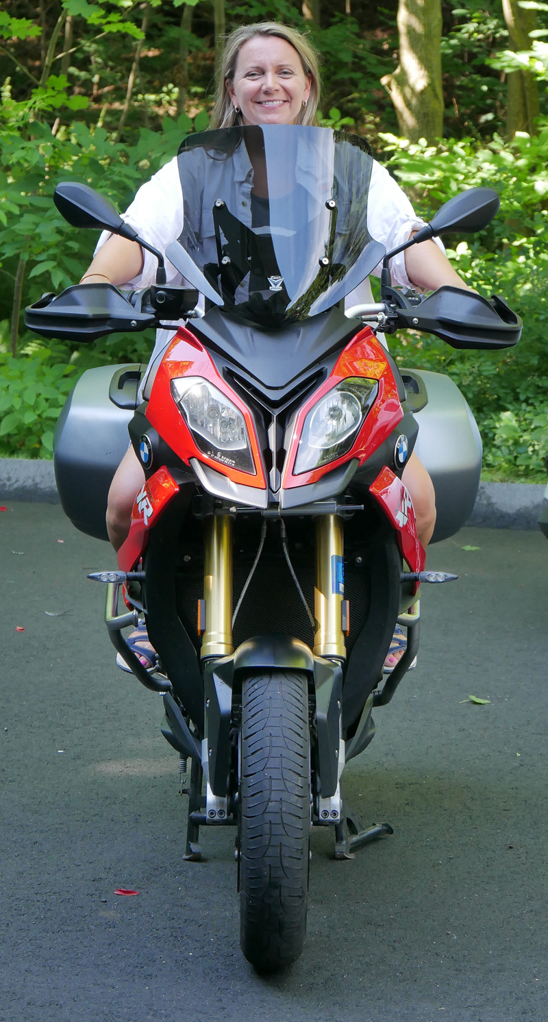 product_review_national_cycle_ZTechnic_VStream_motorcycle_windshield_short_up