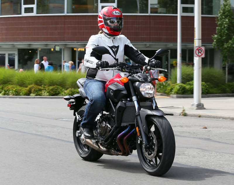 motorcycle review 2015 yamaha fz-07 red