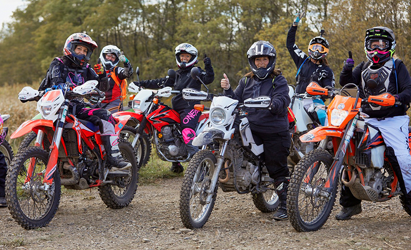 women riders basic guide to gearing up to ride a motorcycle in dirt over and out