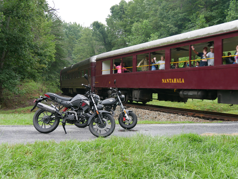 kymco spade 150 and k-pipe 125 small motorcycles big fun train
