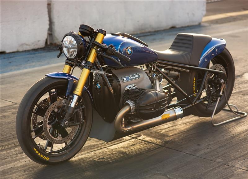 new motorcycle review 2021 BMW R 18 first edition roland sands dragster