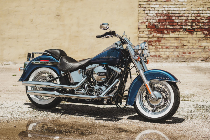 top 10 motorcycles women ride harley davidson softail deluxe 2016