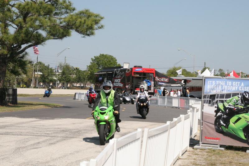 demo rides who riders should take advantage of them kawasaki