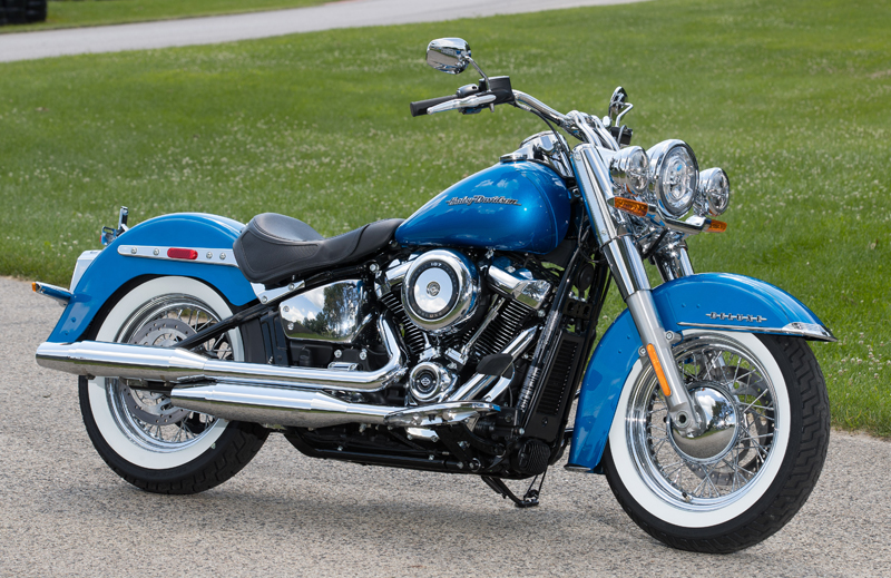 review 2018 harley-davidson softails deluxe electric blue