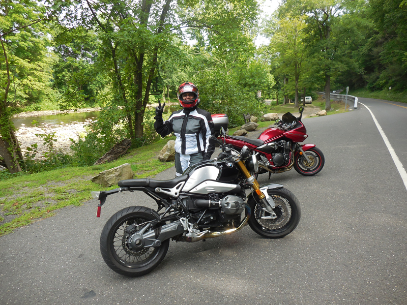 review 2016 bmw r ninet parked