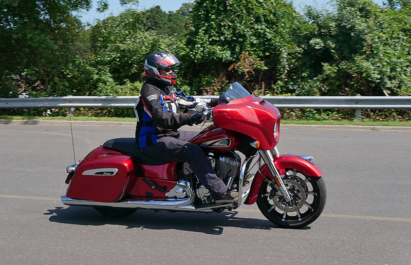 Review: 2019 Indian Motorcycle Chieftain Limited_windshield_down