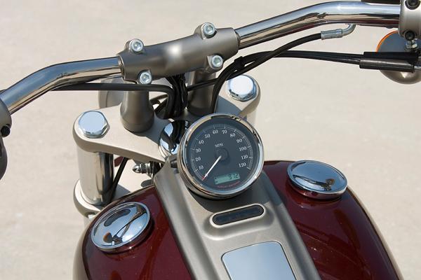 motorcycle review harley davidson rocker dash