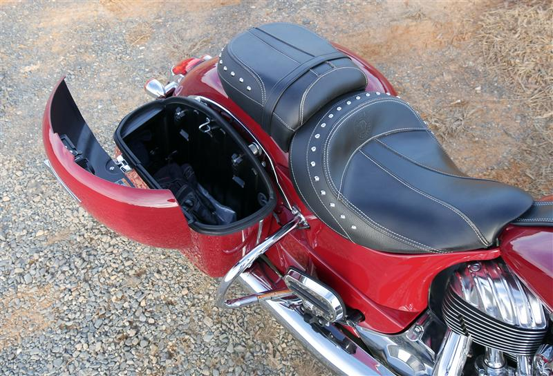 review 2016 2017 indian motorcycle springfield wide open saddlebag lid