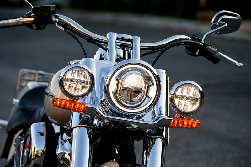 review 2018 harley-davidson softails deluxe led