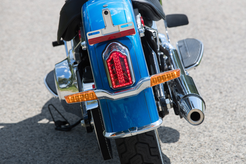 review 2018 harley-davidson softails deluxe led rear