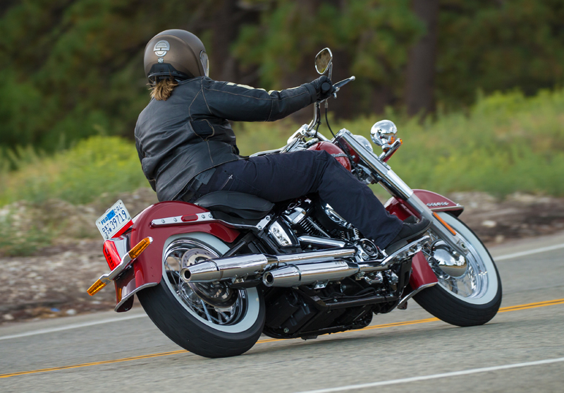 review 2018 harley-davidson softails deluxe floorboards rear