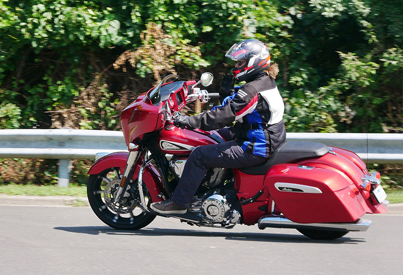 Review: 2019 Indian Motorcycle Chieftain Limited_Left