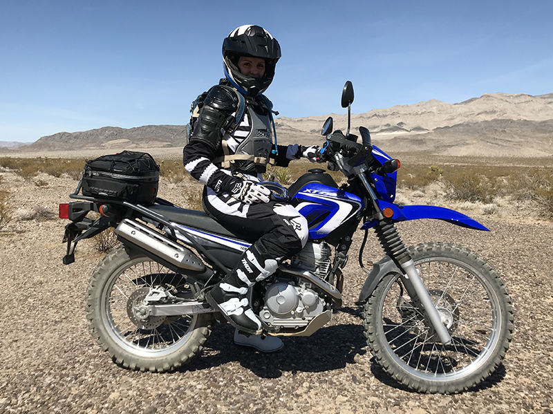 women riders basic guide to gearing up to ride a motorcycle in dirt sarah schilke