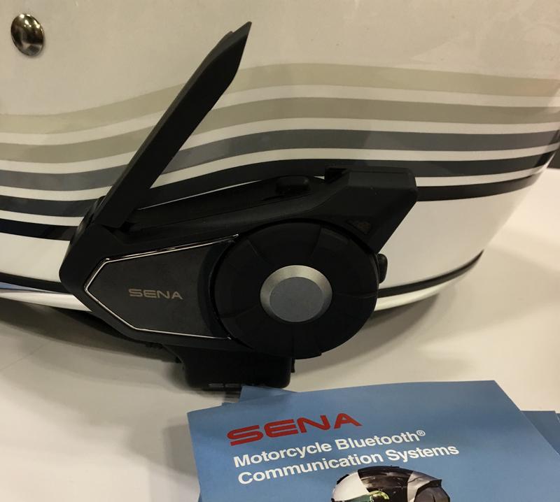 Review Sena 30K Intercom for Motorcycle Riders Multitask Mode