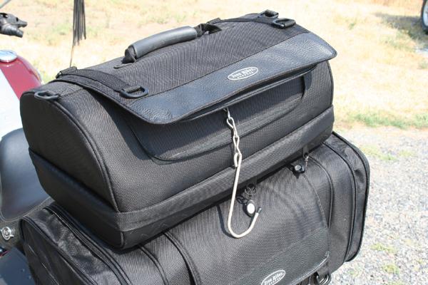 review dowco iron rider luggage garment bag