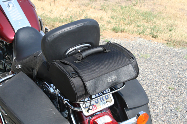 review dowco iron rider luggage roll bag