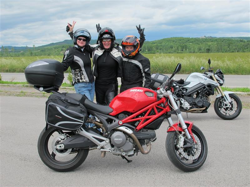 postcards from italy woman riders