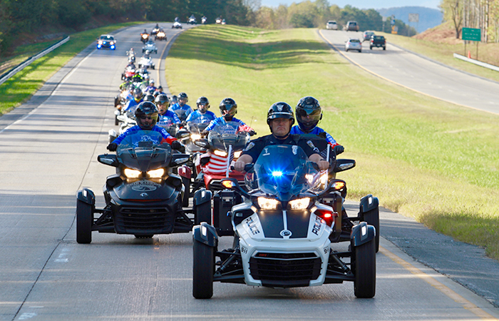 how a ride on a can-am spyder changed one female veterans life road warriors police escort
