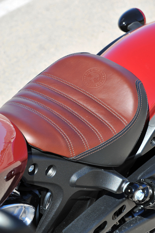 review 2018 indian scout bobber seat