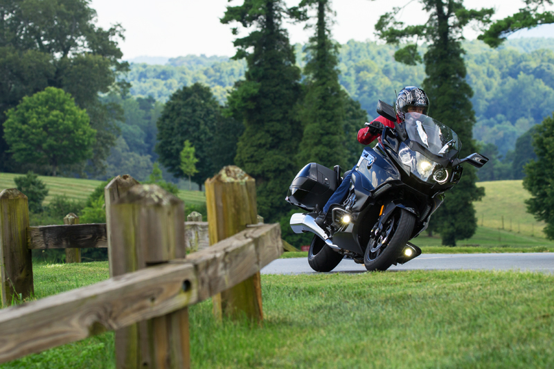 review 2018 bmw k 1600 b a bagger with innovative features cornering