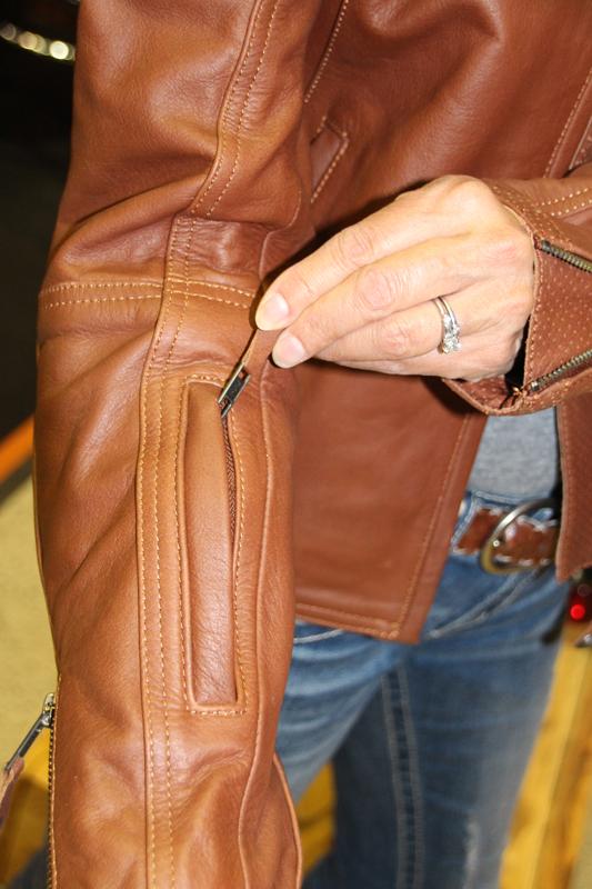 rsd_trinity_leather_motorcycle_jacket_armor_pockets_sleeve