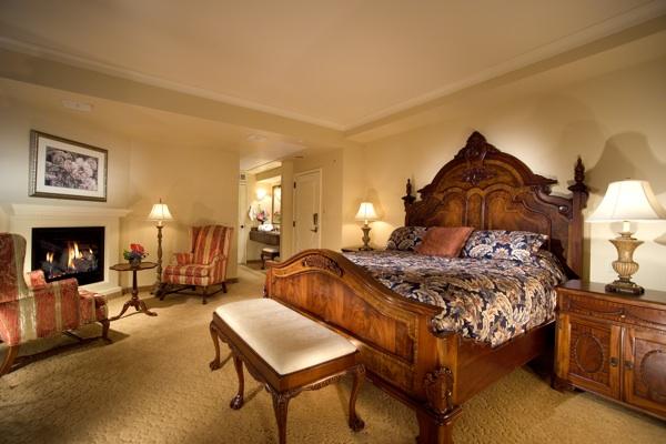 touring the selkirk loop davenport hotel room