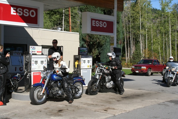 touring the selkirk loop canadian gas