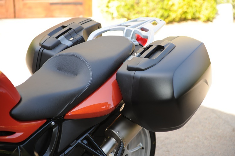 BMW F 800 GT Review Saddlebags