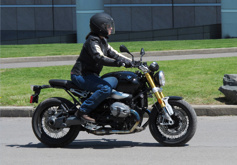 review 2016 bmw r ninet riding position