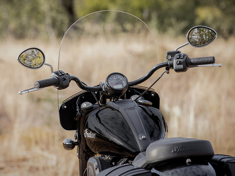 new motorcycle review 2022 indian motorcycle chief cockpit