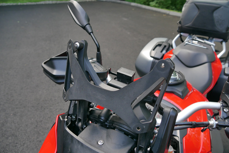 product_review_national_cycle_ZTechnic_VStream_motorcycle_windshieldbracket_installed