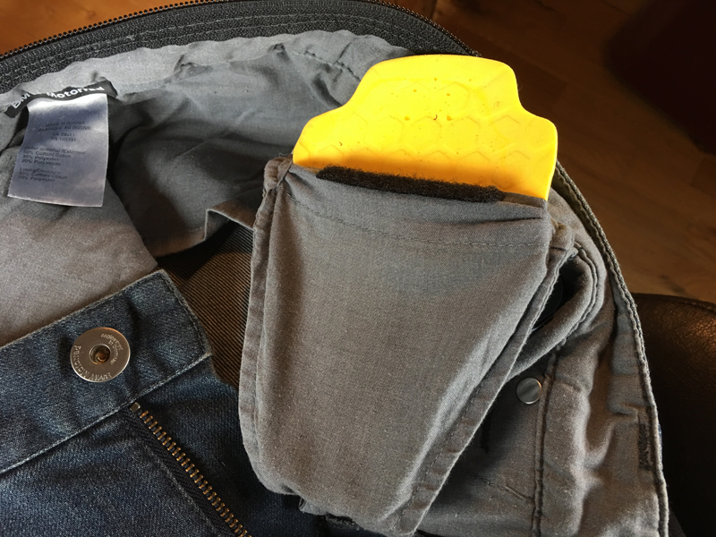Review_Stylish_Comfortable_Abrasion_Resistant_Jeans_Armor_hip_armor