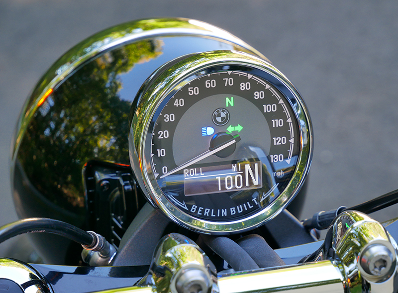 new motorcycle review 2021 BMW R 18 first edition dash display