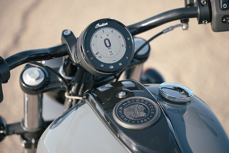 new motorcycle review 2022 indian motorcycle chief touchscreen display